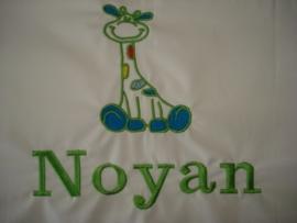 ledikantlaken met giraf en naam