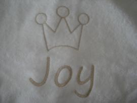 Kroon + naam op voor en achterkant geborduurd