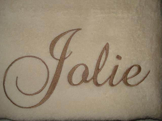 Luxe creme- ecru handdoek met naam geborduurd 500 gram²
