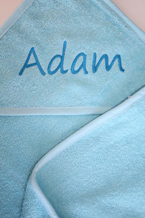 Luxe lichtblauw badcape met naam geborduurd