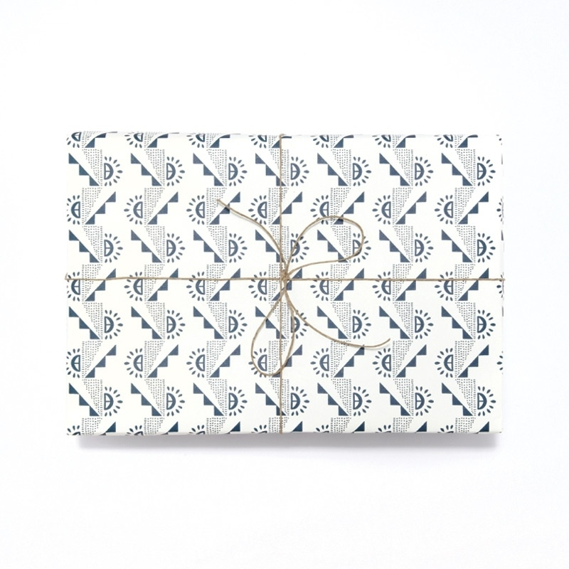 Inpak-/cadeaupapier Esme Winter - Ladder marineblauw