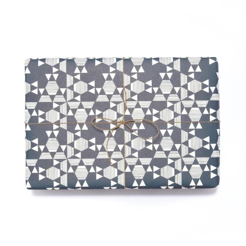 Inpak-/cadeaupapier Esme Winter - Kaleido marineblauw