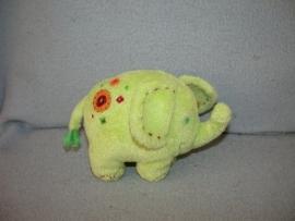 KP-618  Happy Horse olifant Eef nr.1  2005 - 12 cm