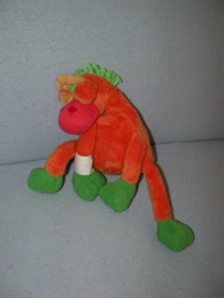 AJ-1297  Happy Horse giraffe met verband - 23 cm