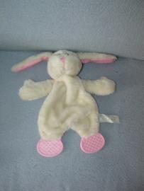 K-1266  BSV/Bart Smit Volendam kroeldoekje konijn  met bijtstukken