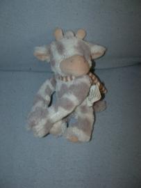 KP-2011  Merkloze koe met dasje - 21 cm