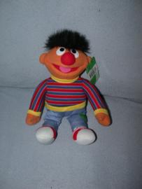 PS-1138  Gloednieuw! Play-by-Play/Sesamstraat Ernie - 32 cm
