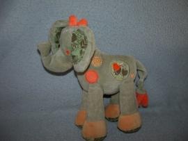 KP-1226  Nicotoy olifant