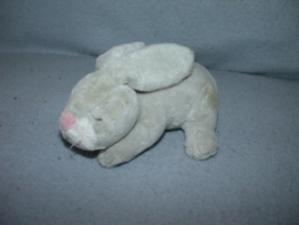 K-1188  Onbekend slapend konijntje - 13 cm
