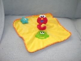 PS-978  Sesamstraat kroeldoek Elmo
