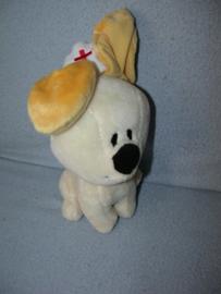 H-840  Tiamo hondje Pip als verpleegster - 18 cm