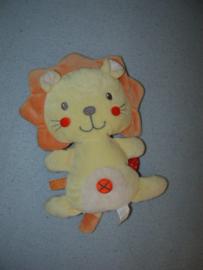KP-1977  Nicotoy leeuw - 18 cm