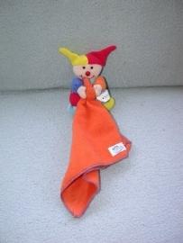 AJ-700  Simba Baby clowntje met kroeldoekje