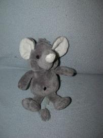 KP-1588  Evora olifant - 23 cm
