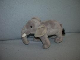 KP-301  Evora olifant