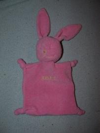 K-1067  IKKS kroeldoekje konijn