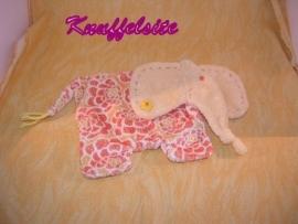 KP-668  Happy Horse kroeldoekje olifant Elfi Tuttle 2005