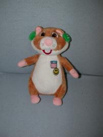AJ-1185  Albert Heijn/Promocean hamster met koptelefoon - 28 cm
