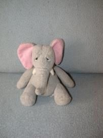 KP-608  Russ Berrie olifant Zanzibar - 15 cm