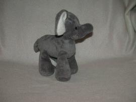 KP-363  Hema olifant 19 x 22 cm