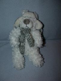 B-1716  Intratuin beer met muts en sjaal - 23 cm