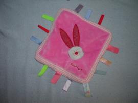 K-589   Bambino labeldoekje konijn