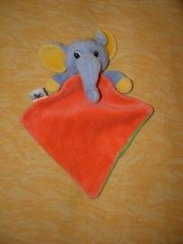 KP-93  Anna Club Plush/ABC kroeldoekje olifant
