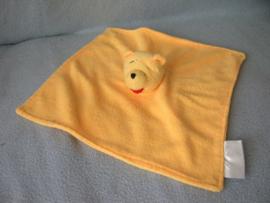 B-749  Disney Baby kroeldoekje Winnie de Poeh