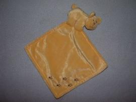 B-151  Unitoys beertje met kroeldoekje - bruin borduursel