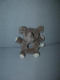 KP-829  Tender Toys rammelaar olifant