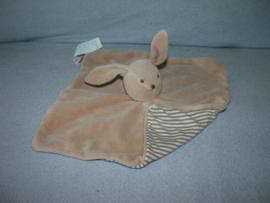 K-1142  Natalys kroeldoekje konijn
