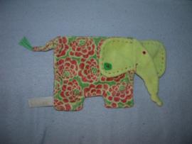 KP-1801  Happy Horse kroeldoekje olifant Elfi tuttle 2005