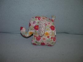 KP-833  H&M olifantje