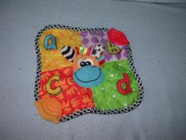 AJ-1211  Bambino kroeldoekje giraffe met bijtstukken