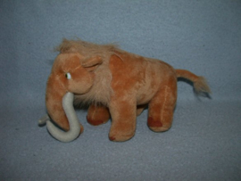 KP-1098  Ice Age 3 (Dawn of the Dinosaurs) mammoet Elly - 17 cm