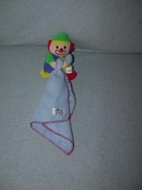 AJ-795  Simba Baby clowntje met kroeldoekje