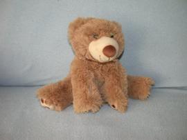 B-1682  Toys beer met halsdoekje - 22 cm