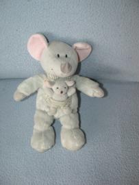M-605  Nicotoy muis met kleintje - 23 cm