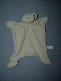 KP-20 G  Hema kroeldoekje olifant, gelige versie