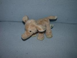 KP-1332  WWF/Anna Club Plush olifant - 18 cm