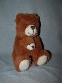 B-1441  Nicotoy beer met kleintje - 22 cm