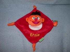PS-971  Sesamstraat kroeldoekje Ernie