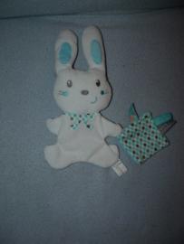 K-1150  Nicotoy konijn met labeldoekje