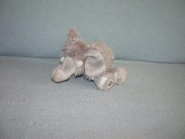 KP-1946  Ganz olifant Lil' Kinz Elephant - 16 cm
