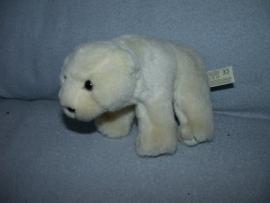 B-172  Anna Club Plush/WWF ijsbeer - 19 cm