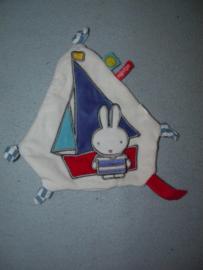 K-1183  Tiamo labeldoekje/speendoekje Nijntje Sailor