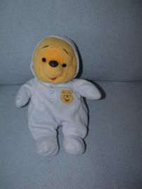 B-1124  Nicotoy beer Winnie de Poe met pyjama - 30 cm