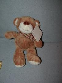 B-383  Gloednieuw! Nicotoy beer met sjaaltje - 25 cm