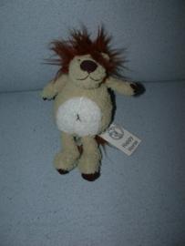 KP-903  Gloednieuw! Happy Horse leeuw Luther nr.1  2008 - 21 cm