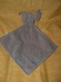 KP-426  Unitoys nijlpaardje met kroeldoekje